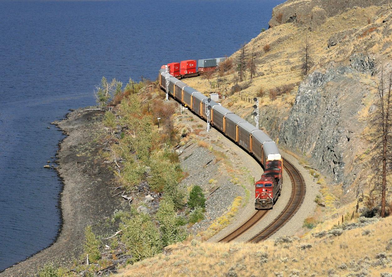9579 West (Train 113) at Dodge, BC #2 - Sept 28-10 - John Leeming